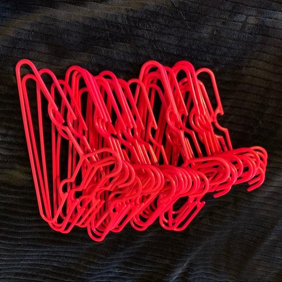 30-pink kid hangers (final)